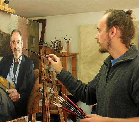 El pintor ibicenco Bruno Preciado en el estudio que tiene en Ibiza.