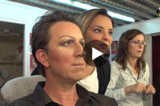 Jordi Ríos y Chenoa en el set de maquillaje del programa 'Homo Zapping'.