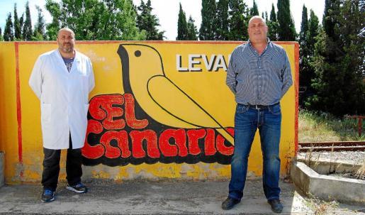 Alberto y Xisco Albertí trabajan en El Canario desde jóvenes. Creen en el potencial de crecimiento de su producto, que está certificado como sin gluten y sin lactosa.