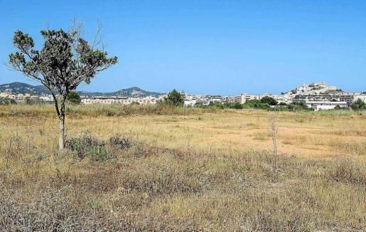 Imagen de archivo del solar de Ca n'Escandell destinado a la construcción del parque y las viviendas sociales.