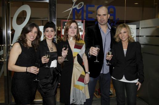Lucía Perales, Magda Palmer, Antonia Suau, Javier Linares e Isabel Estela.