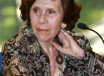 MARÍA ROSA SALVADOR,