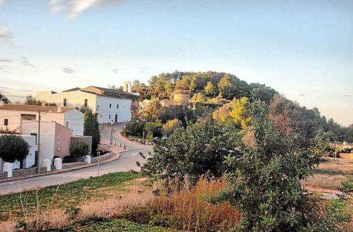 Vista general del pueblo de Sant Agustí des Vedrà, en el municipio de Sant Josep de sa Talaia.