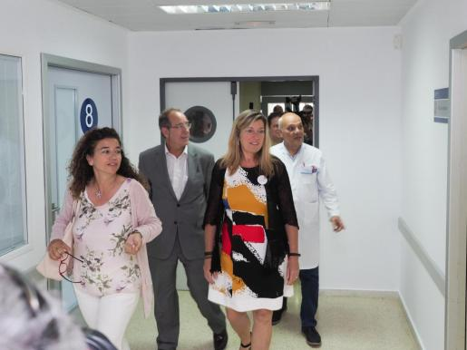 La consellera Patricia Gómez en su visita a la residencia del antiguo Can Misses