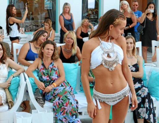 Uno de los modelos de de ropa de baño que se pudieron ver el pasado sábado en el Hotel Es Vivé.