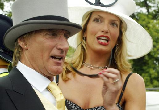 Rod Stewart y su mujer, Penny Lancaster, muy elegantes en las carreras de Ascot.