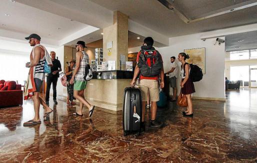 Los datos de ocupación hotelera en el mes de mayo arrojan un descenso del 2,4 por ciento respecto al 2016.