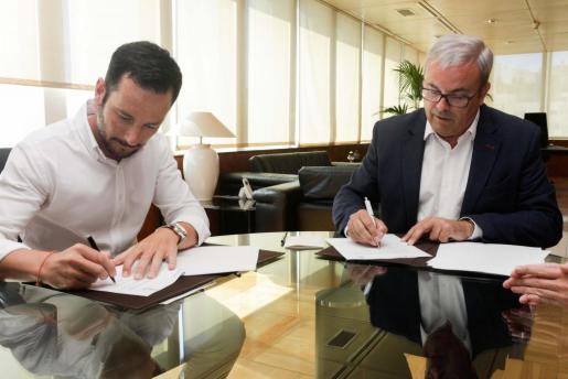 Firma del convenio del proyecto de es Gorg.