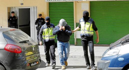 La Policía Nacional detuvo a Mohamed Harrak, de 28 años de edad, en el mes de abril de 2016 en su vivienda de Son Gotleu en una operación ordenada por la titular del Juzgado Central de Instrucción número 3.