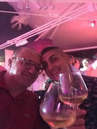 Marco Verratti brinda en Ibiza junto a su representante, Donato di Campli.
