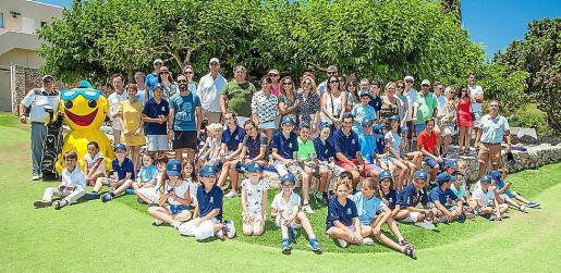 Imagen del evento celebrado con los alumnos de la Escuela Infantil de golf de Ibiza durante la jornada de ayer en las instalaciones de Roca Llisa.