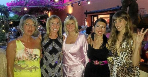 Núria Moreno, Ángela Seguí, Marta Díaz, Carme Coll y Jazmin Sentis.