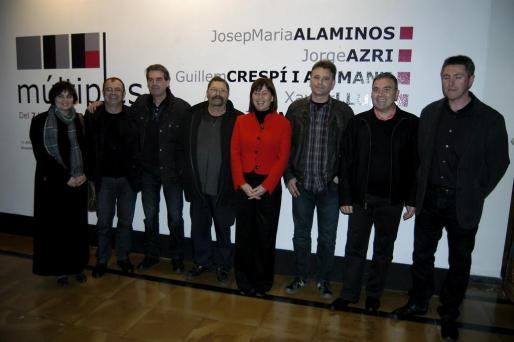 Divina Muñoz, Tolo Aguilar, Toni Mandilego, Xavier Llull, Josep María Alaminos, Jorge Azri y Guillem Crespí, junto a la presidenta del Consell, Francina Armengol.