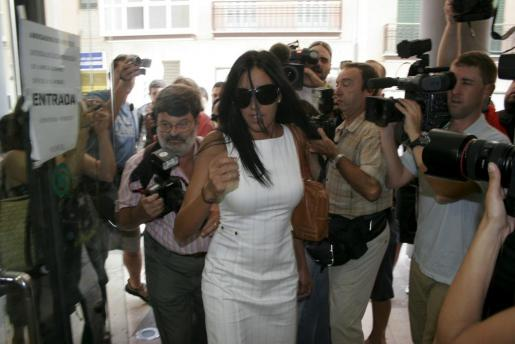 Foto de archivo de Nuria Bermúdez a su llegada a los juzgados de Palma, donde se celebró una vista por la custodia de su hijo en común con Dani Güiza.