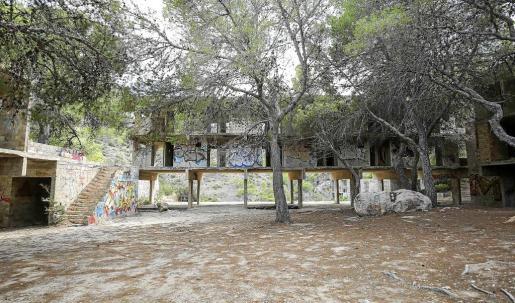La construcción del complejo de vacaciones ideado por Josep Lluís Sert se abandonó a la muerte del arquitecto en 1983.