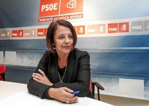 Imagen de Sofía Hernanz en la sede de la Federació Socialista d'Eivissa.