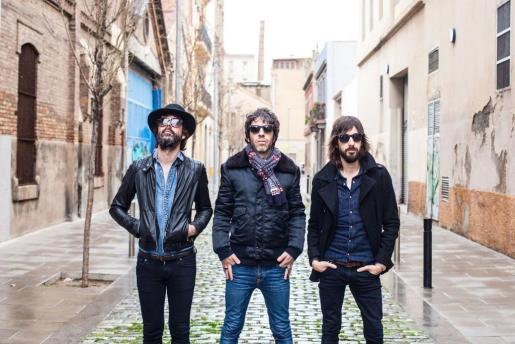 EIVISSA. MUSICA. Sidonie, la formación catalana de rock psicodélico y alternativo compuesta por Marc Ros, Jesús Senra y Axel Pi.
