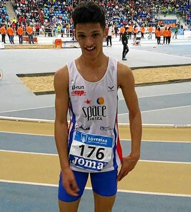 Matheus Moura, en una imagen del nacional en pista cubierta.