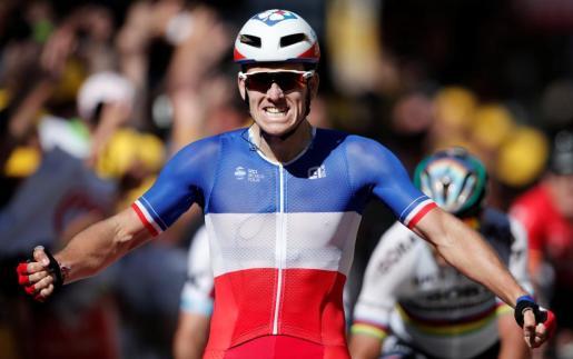 Arnaud Demarre celebra su victoria en la etapa del Tour de este martes