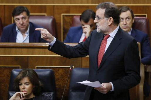 El presidente del Gobierno, Mariano Rajoy, interviene en la sesión de control al Ejecutivo.