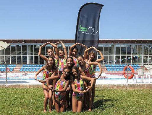 Las nadadoras del C.N. Eivissa que viajarán este fin de semana a Granollers.