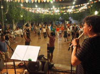 Gastronomía, folclore y artesanía en la Feria Nocturna 2017 de Ariany