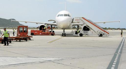 El servicio de 'handling' es clave para que la operatividad aeroportuaria no se vea alterada con retrasos en la salida y llegada de aviones.
