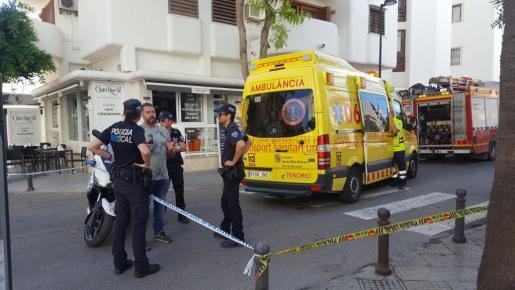 Hasta el lugar del sucesos han acudido agentes de la Policía Local de Vila, una ambulancia del 061 y una dotación de bomberos.