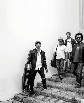 Imagen promocional del grupo ibicenco Somosuno.