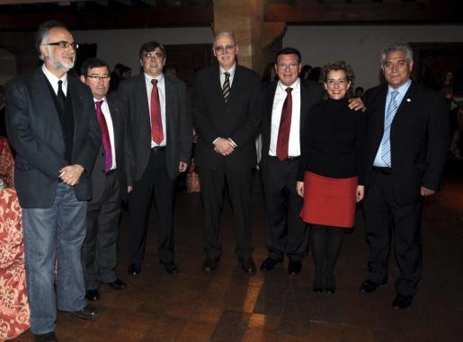 Carles Manera, José Martínez, Francesc Antich, Pere Comas, Ramón Torres, Aina Calvo e Iluminado Largo.