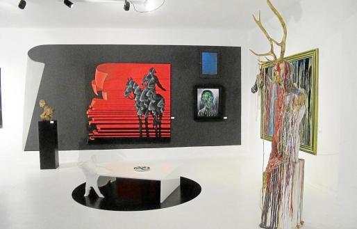 Vista general de algunas de las obras expuestas en la galería.