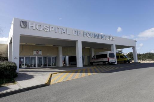 Imagen de archivo de la fachada del Hospital de Formentera.