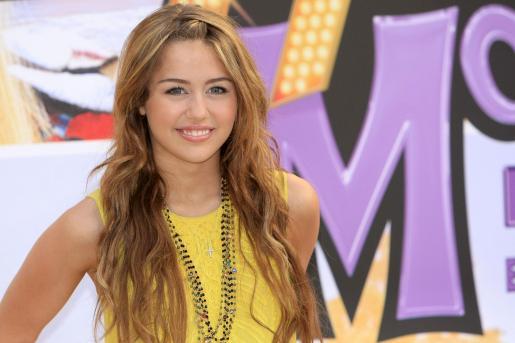 La cantante actuará en el mismo escenario que Shakira y Rihanna.