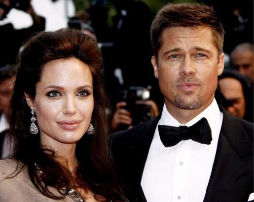 EFE - CANNES (FRANCIA) Fotografía de archivo que muestra a la pareja de actores Angelina Jolie (izqda) y Brad Pitt a su llegada a la gala de proyección de la película 'The Exchange'.