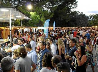 La Fira Nocturna de Sant Llorenç vuelve a reunir la mejor gastronomía