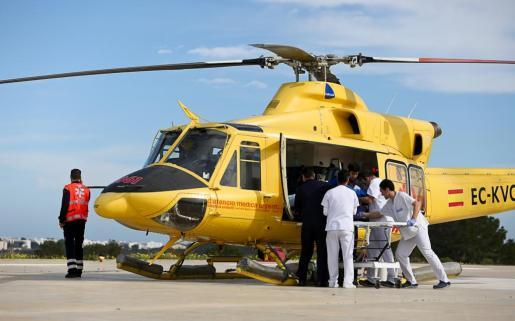 Imagen de archivo de un helicóptero en el Hospital de Formentera.