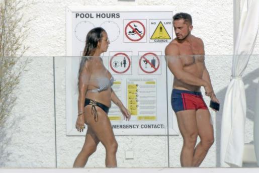 Anabel Pantoja y Mauricio Vidal durante unas vacaciones en Ibiza.