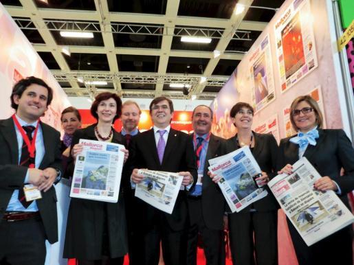 Los representantes institucionales de las Balears en el stand especial del Grupo Serra para la ITB de Berlín.