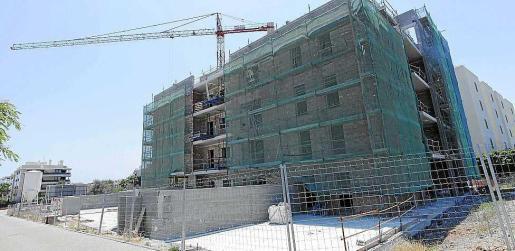 Imagen de archivo de un edificio en construcción en Ibiza.