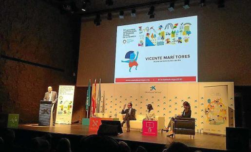 Imagen de la intervención del alcalde Vicent Marí en el congreso de la infancia.