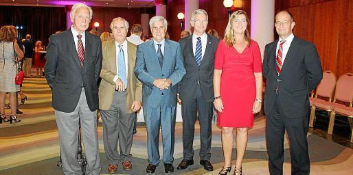 Bartomeu Anguera, Arturo Anadón, Juan José Badiola, Ramón García, Patricia Gómez y Marc Ponsetí.