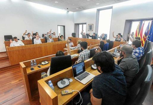 Todos los grupos del Ayuntamiento de Eivissa votaron a favor de la construcción de un tanatorio en el pleno de ayer.