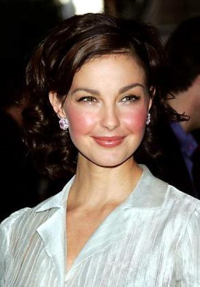Ashley Judd está volcada desde hace años en labores humanitarias.