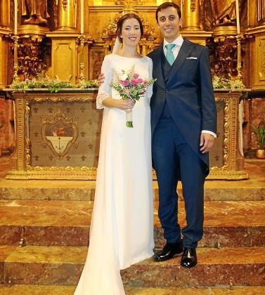 Mary y Guillem, recién casados, posaron muy sonrientes.
