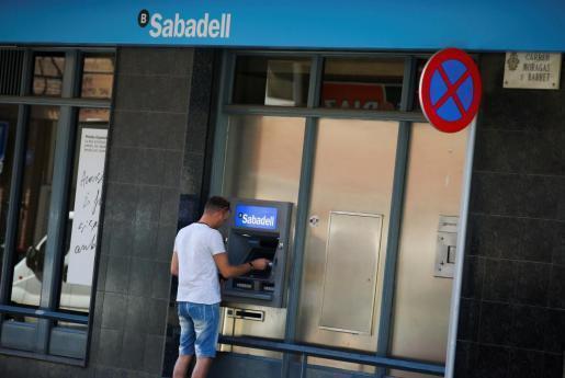 El Banco Sabadell anunció este jueves su salida de Cataluña.
