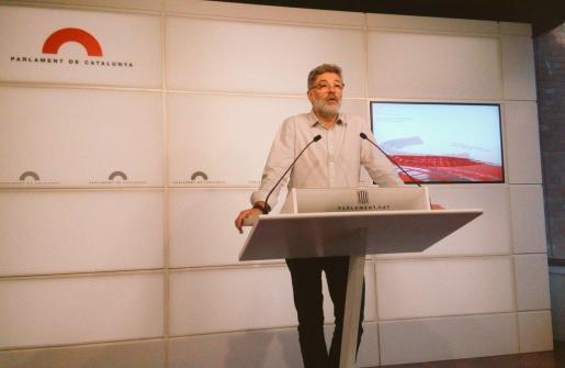 El diputado independentista Carles Riera durante la rueda de prensa celebrada este viernes.