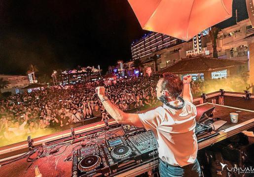 Imagen de la fiesta de cierre de Ushuaia de esta temporada, que contó con djs de primer nivel internacional.