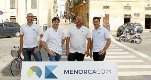 Andreu Vargas, Joan Caules, Tomàs de Salort y Francesc Caules son los cuatro fundadores de este proyecto para que Menorca tenga una moneda local y digital.