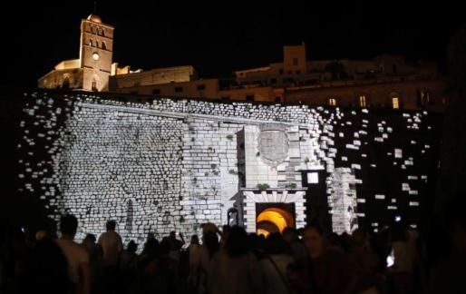 Ejemplo de lo que pudo verse anoche en Vila en el Ibiza Lifth Festival.