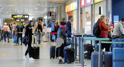 Las estadísiticas del aeropuerto de es Codolar siguen batiendo registros gracias al crecimiento de los principales mercados emisores de turistas.
